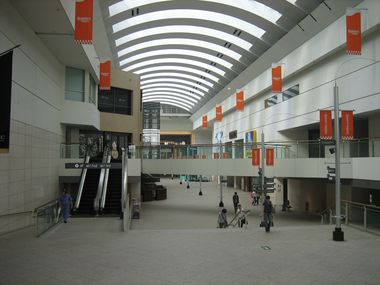 Queen's Square (Shopping Complex)