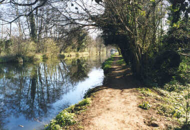 Wey Canal (between Guildford and Farncombe)